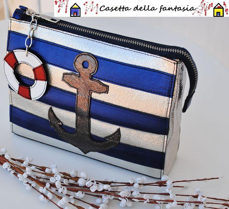 Pochette Marinaretta vera pelle. Info e vendita quii: http://www.misshobby.com/it/negozi/casetta-della-fantasia