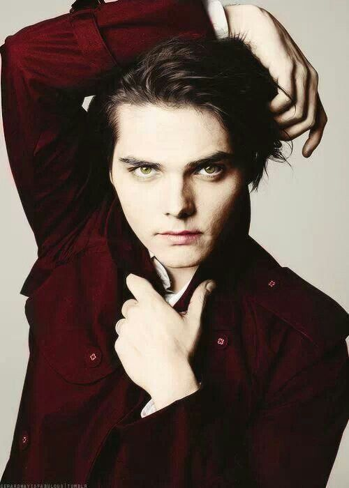 Gerard Way why do you have to be so perfect