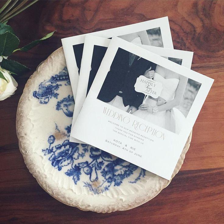. コンパクトな正方形のプロフィールブック。 さりげない大きさがいい感じ♪ . . #paperitem #ペーパーアイテム #プロフィールブック #wedding #weddingbook #ウェディング #招待状 #席次表