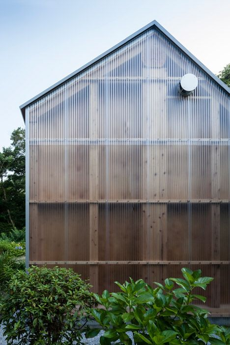 Light Shed by FT Architects. Architects designed studio for the back garden of a photographer's house. The interior space measures 4.5 by 7 metres with an open-plan studio and a toilet built into one corner. Plastic cladding covers a window on the west side of the building, while a large skylight is frosted glass. http://www.dezeen.com/2014/11/03/ft-architects-light-shed-corrugated-plastic-photography-studio-japan/