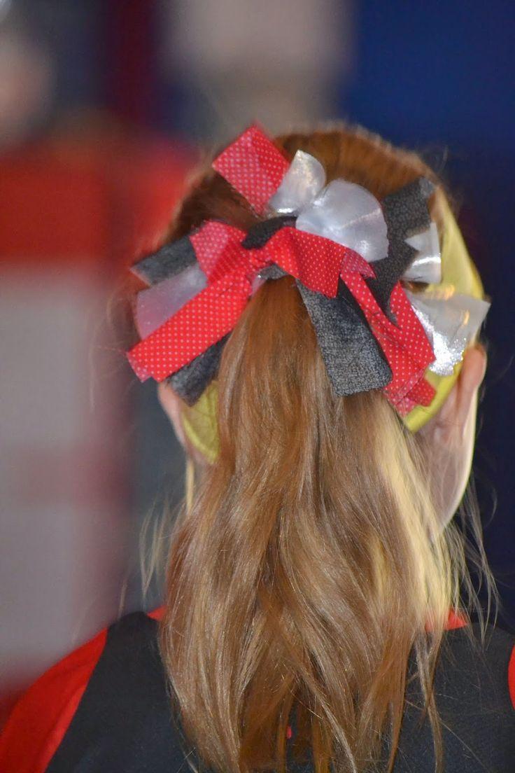 Living Life As A Fife: Easy No Sew Soccer / Cheerleader Hair Bows