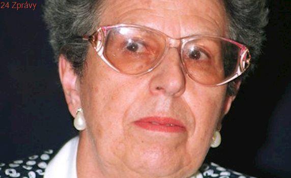 Zemřela bývalá šéfka opery Národního divadla Herrmannová. Zpívala v Terezíně