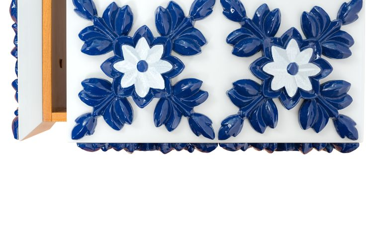 Handpainted Tiles on Blue www.bateye.com #bateye #bateyecollection #bateyepieces #luxury #luxuryfurniture #sidetable