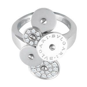 Slip on this Bvlgari Cicladi 5 disk pave diamond ring in white gold!