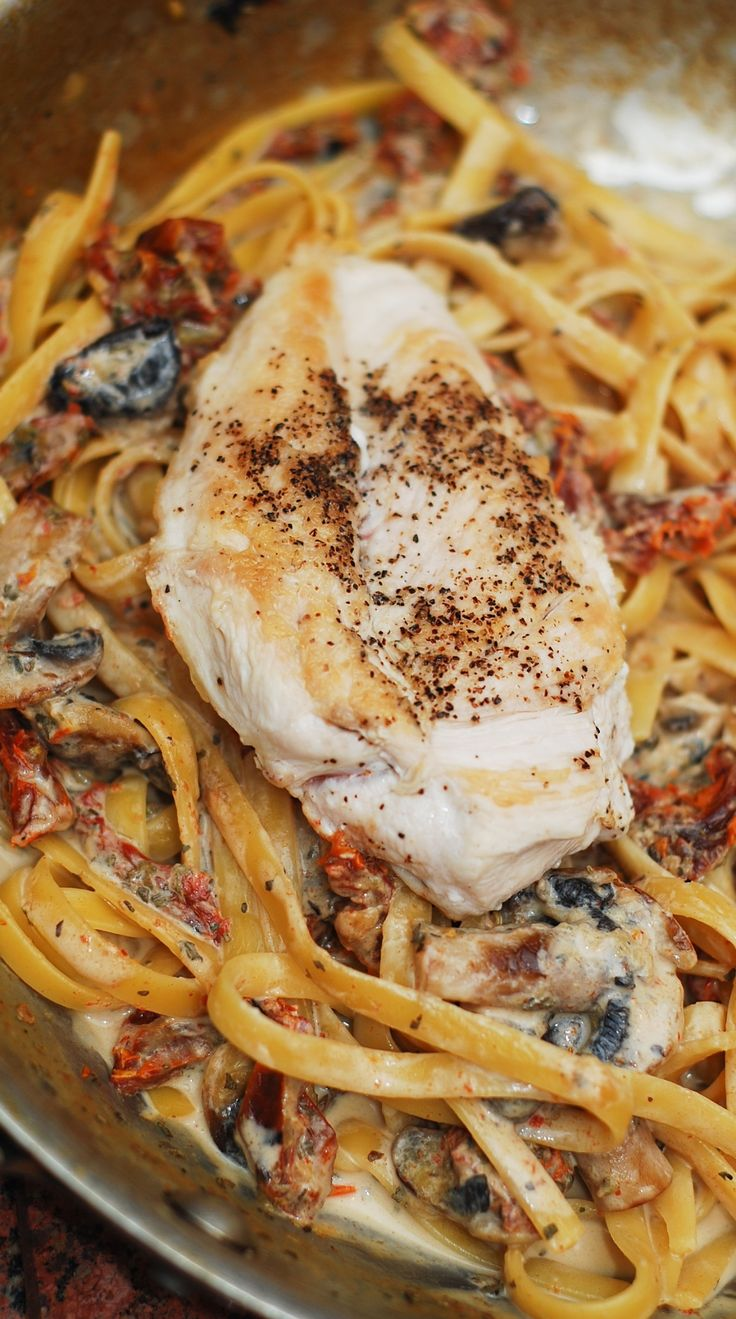 Chicken mushroom pasta with sun-dried tomatoes in a creamy garlic and basil sauce. Tender and juicy chicken breast in a creamy pasta sauce!