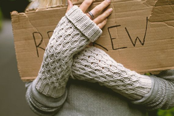 KNITTING PATTERN // Spate mitts // worsted by janerichmond on Etsy