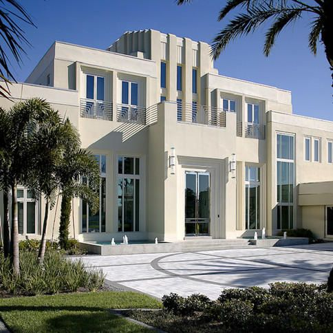A postmodern mansion in Orange County