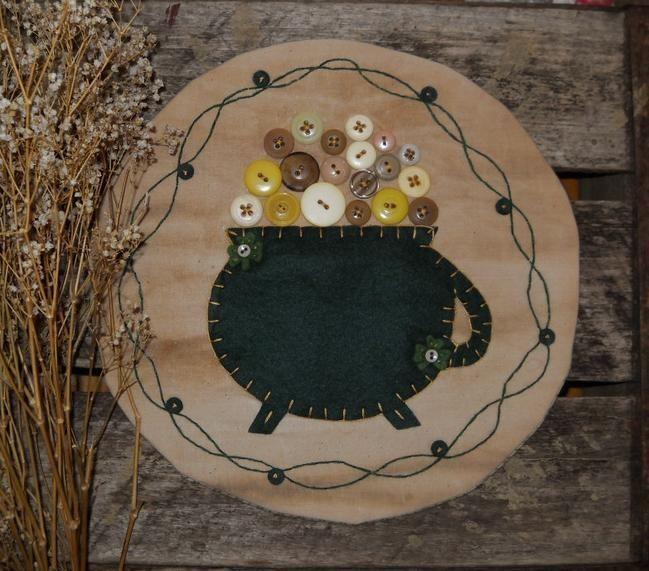 Primitive St. Patricks Day Pot of Gold Penny Rug ~ Vintage Buttons Candle Mat