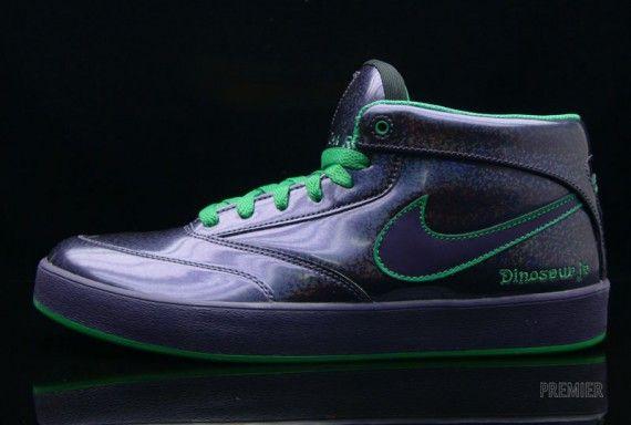Nike SB - Dinosaur Jr.