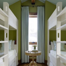 Narrow room utilized as bunk room! Vacation Homes Design, Pictures, Remodel, Decor and Ideas - page 2