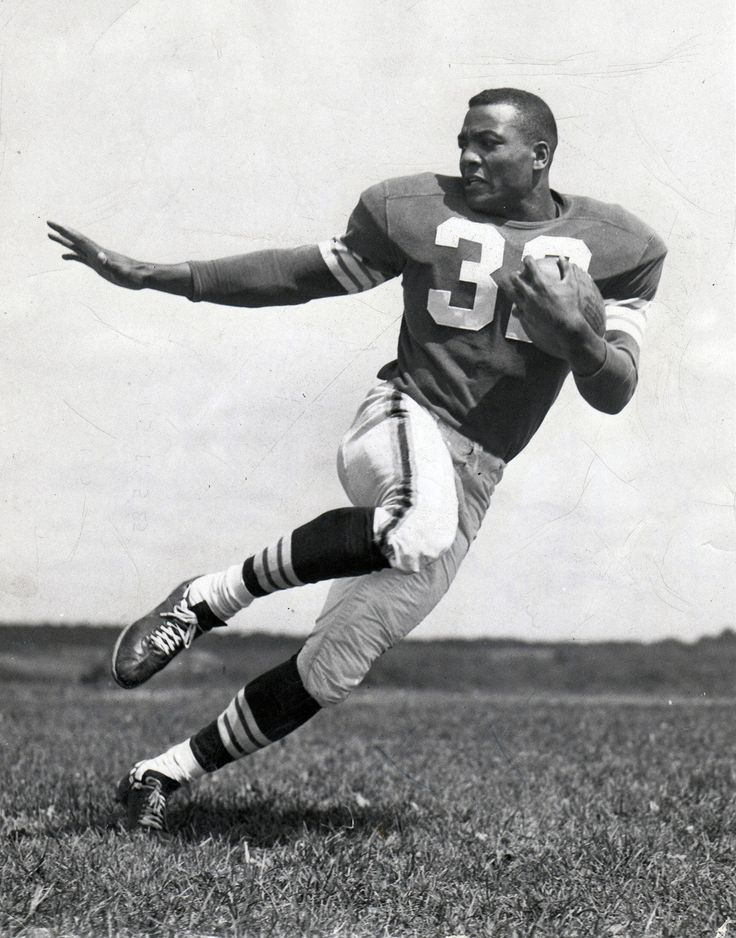 Jim Brown Football poses, Nfl football