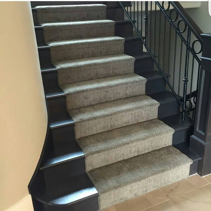 Tuftex del sur makes an elegant stair runner carpet for Painted stairs with runner