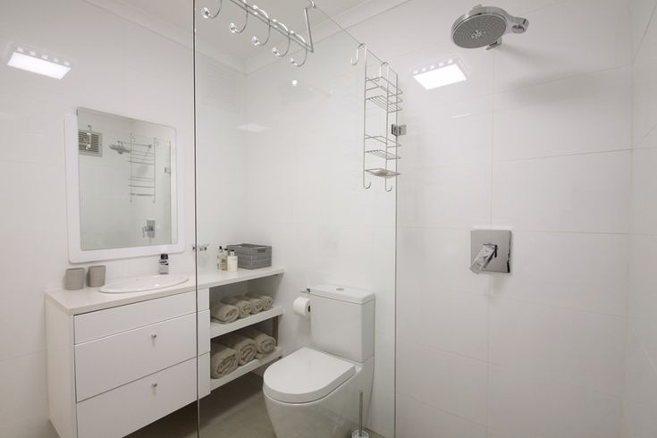 47 @ Whale Rock: Full Bathroom.  FIREFLYvillas, Hermanus, 7200 @fireflyvillas ,bookings@fireflyvillas.com,  #47@WhaleRock #FIREFLYvillas #HermanusAccommodation