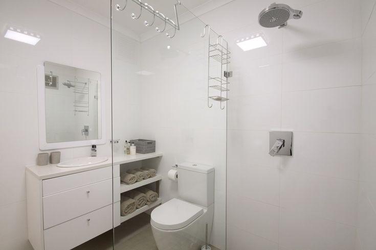 47 @ Whale Rock: Full Bathroom.  FIREFLYvillas, Hermanus, 7200 @fireflyvillas ,bookings@fireflyvillas.com,  #47@WhaleRock #FIREFLYvillas #HermanusAccommodation