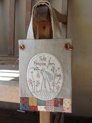 Thimble Stitch: Project bag. Like the embroidery patch and patchwork panel.