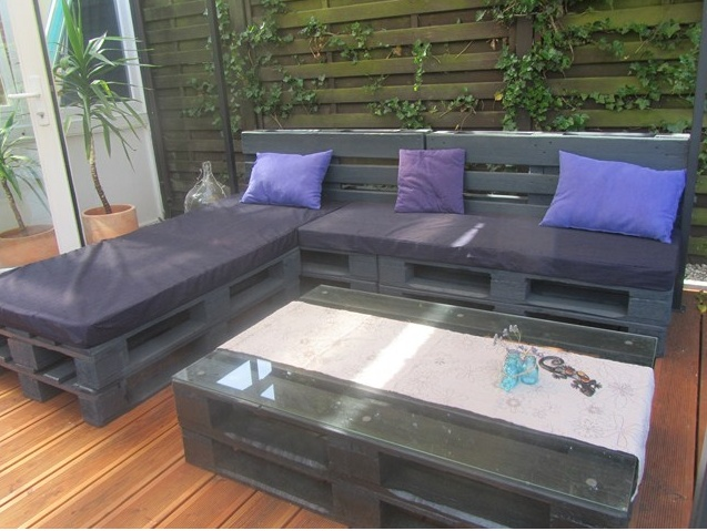 17 best images about palettenm bel on pinterest gardens grey palette and garden pallet. Black Bedroom Furniture Sets. Home Design Ideas