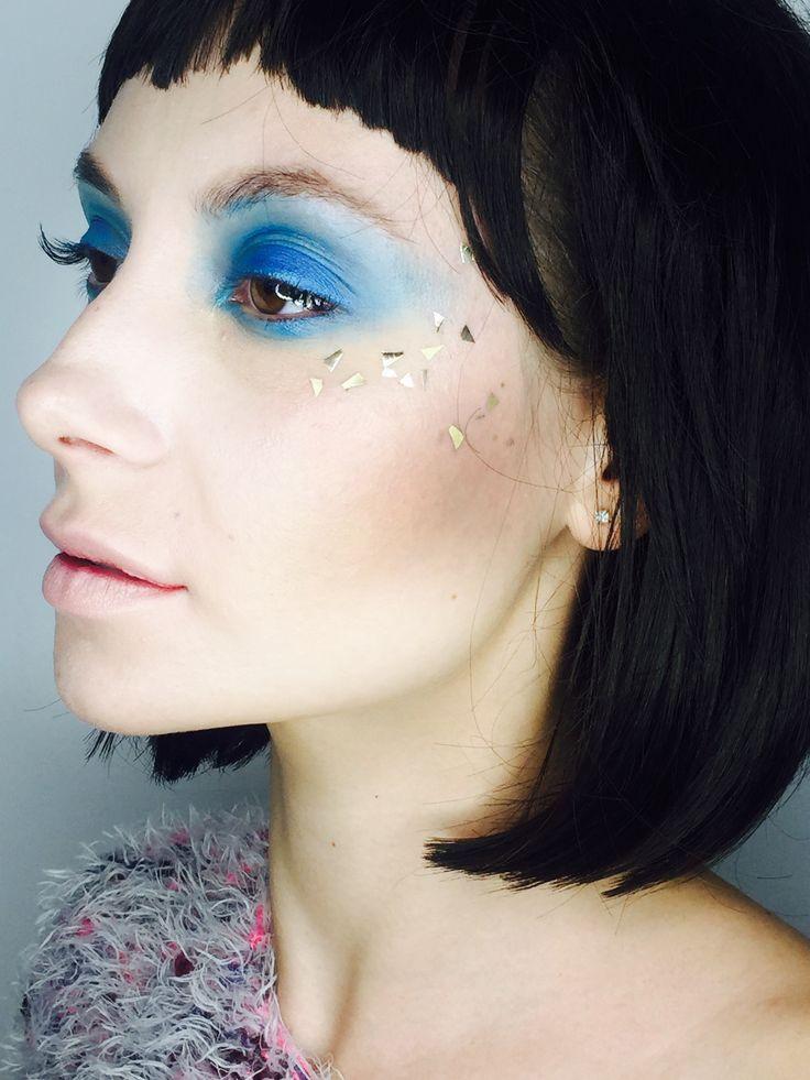 Blue makeup gold glitter ;) #abacademymakeup