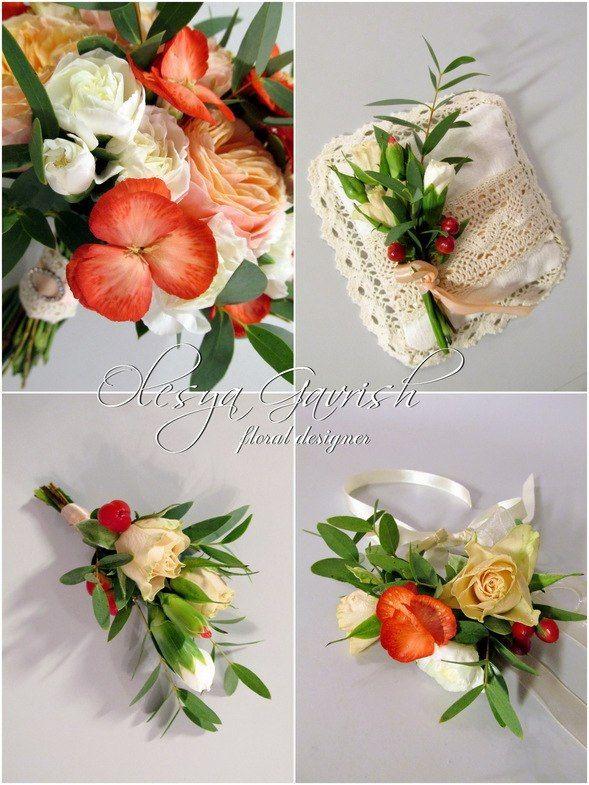 Олеся Гавриш - свадебная флористика и декор - Персиковый букет невесты с красными акцентами