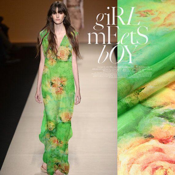 Tessuto Chiffon di seta verde fiore elegante di AshleyFabric