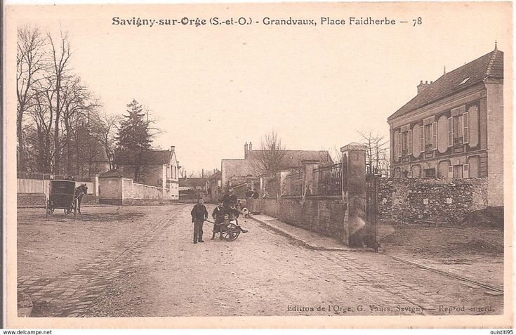 CPA - Savigny-sur-Orge - Grandvaux - Place Faidherbe - Savigny Sur Orge