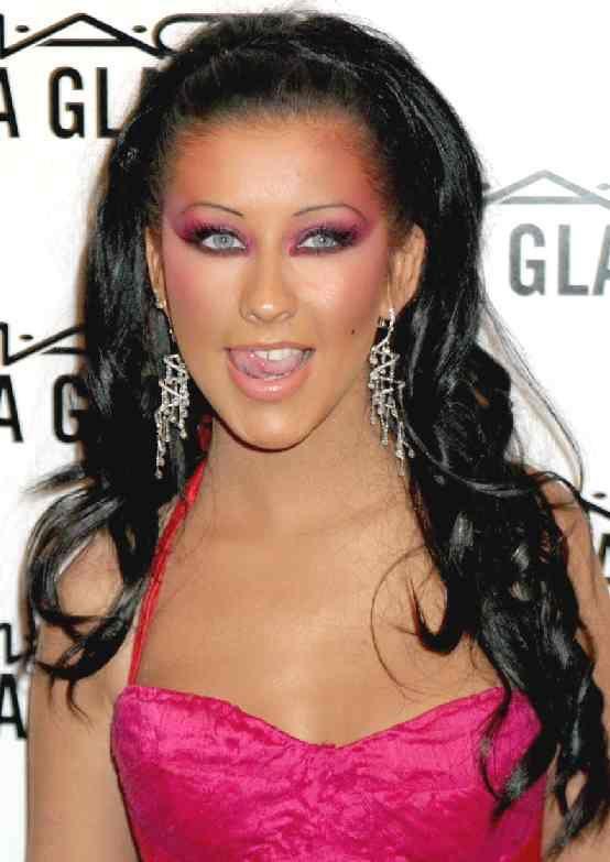 black hairCelebrities Childhood, Christina Aguilera, Dark Hair, Black Hair, Colors Design, Celebrities Makeup, Hair Extensions, Celebrities Hair, Aguilera Hairstyles