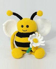 Haakpatroon bijtje Bella #haken #haakpatroon #bij #bijtje #amigurimi #gehaakt #knuffel #crochet #crocheting #crochetpattern