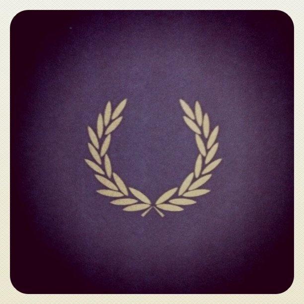 the laurel wreath tatouages laurier et tatoo homme. Black Bedroom Furniture Sets. Home Design Ideas