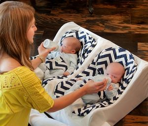 Table for Two Feeding Pillow #babygear #twins