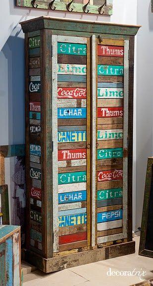 muebles reciclados de alegres colores, de la firma Decoralowcost
