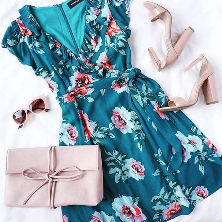 MINKPINK's Pretty Primrose Wrap Dress is the perfect lil' tea dress. Can you say brunch?!