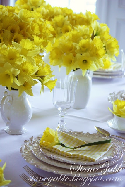 Spring Daffodils - just beautiful for a wedding centerpiece!