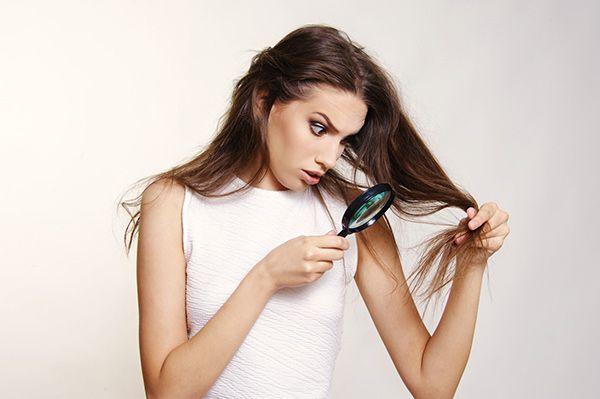 I capelli fini derivano da svariate cause. Stress, farmaci, ambiente, rendono i capelli fini, deboli e sottili. Alcuni rimedi al problema dei capelli fini sono: