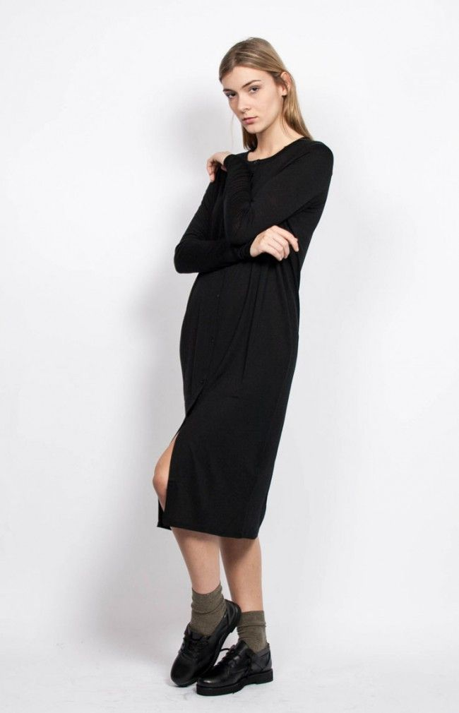 ANNA from Twist&Tango is a plain knitted long black cardigan. #black #dress #minimal #wool #nordicdesign #highquality #anglestore #barcelona