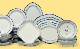 A WEDGWOOD PEARLWARE PART DINNER SERVICE