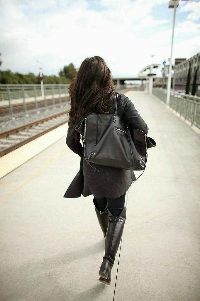 The HONEYBEE // Comfy Street Style (Balenciaga tote, Frye OTK boots)