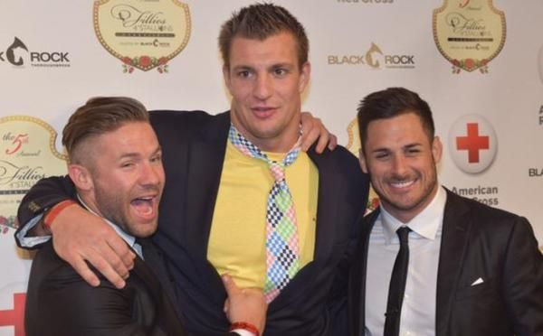 Julian Edelman, Rob Gronkowski, & Danny Amendola Julian Edelman, Rob Gronkowski, & Danny Amendola. Along with Brady- we have THE HOTTEST PLAYERS!!