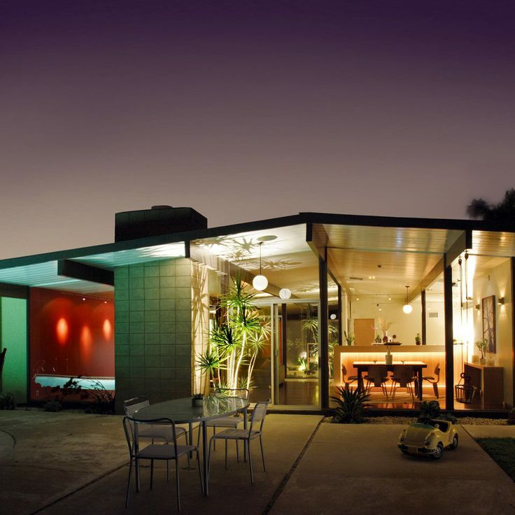 """Gotta love an Eichler Home. The cover image of Michelle Gringeri-Brown's """"Atomic Ranch, Design ideas for Stylish Ranch Homes"""" featuring a restored/reno'ed 1950's Eichler ranch home. Photo: Jim Brown."""