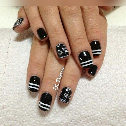 Black and White 😍😍💅