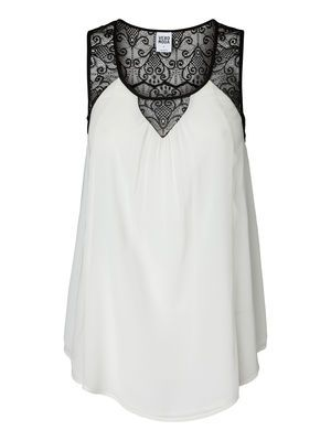 Lace detail top from VERO MODA. #veromoda #lace #top #fashion