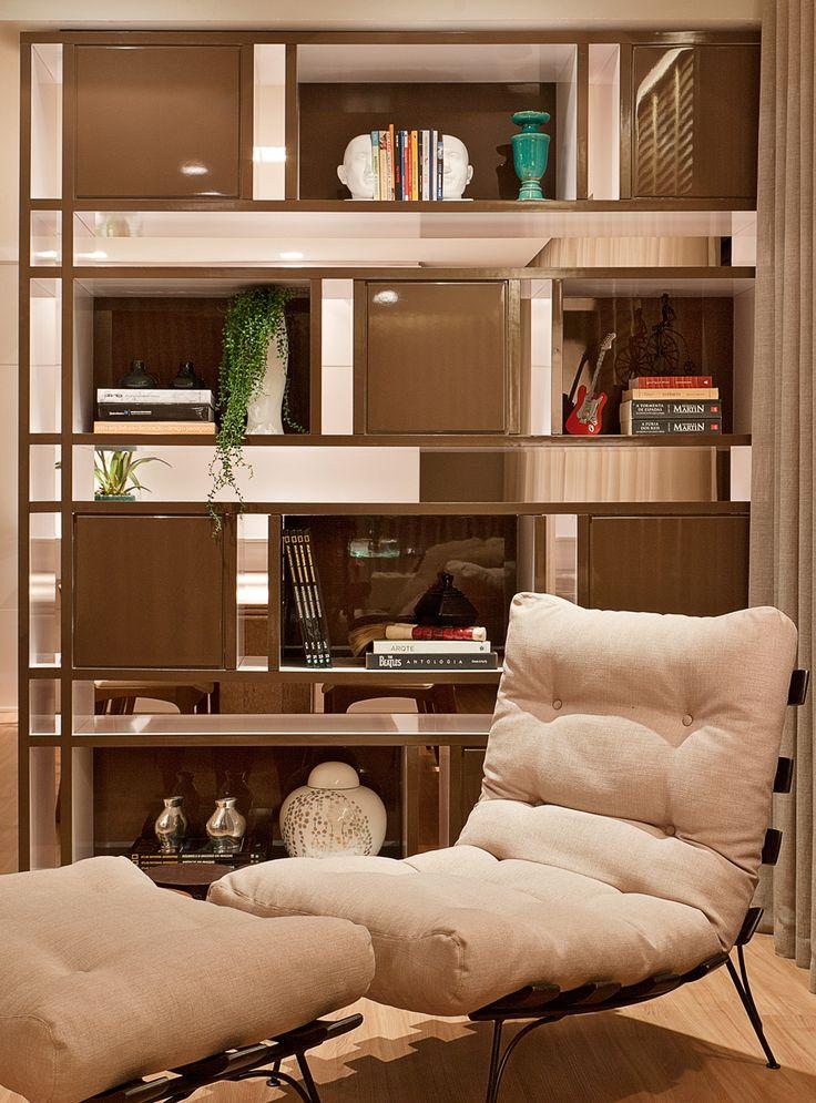 CASA DE VALENTINA   RENOVANDO O APÊ ANTIGO #decor #sala #livingroom #estar #decor #clean #poltrona #estante