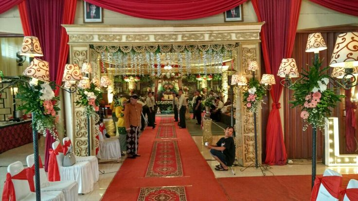 Wellcom gate  More info  Line: singgih_ event IG : singgih_event WA :081804342391 Phone : 081804342391/082220547226 Email : enwog.graciad13@gmail.com