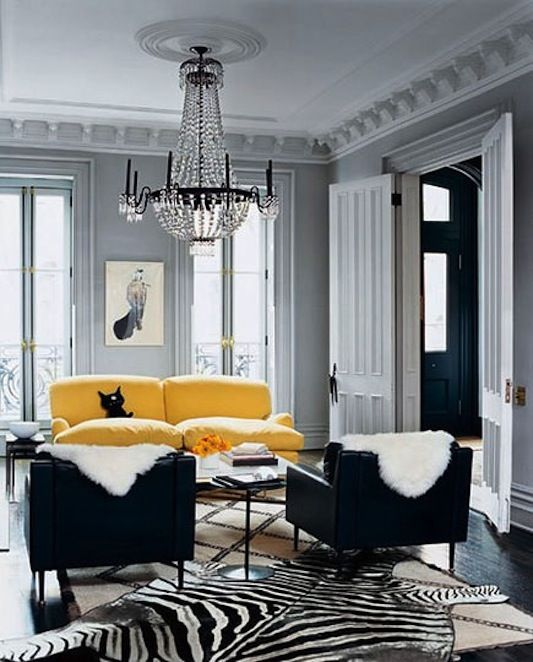 pop of yellowLiving Rooms, Black And White, Interiors, Colors, Livingroom, Grey Wall, Black White, Yellow, Gray Wall