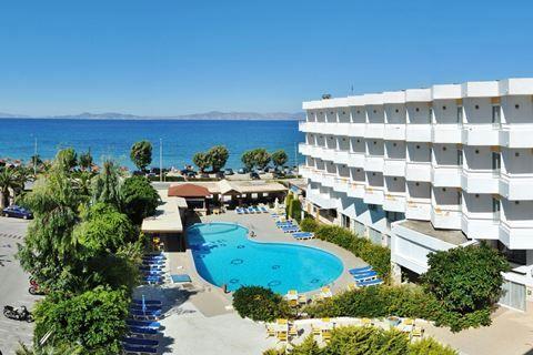 Lito Hotel  Description: Ligging: Lito Hotel ligt in één van de meest populaire luxueuze en levendige badplaatsen van het eiland Rhodos. In Ixia vindt u een gezellig centrum vol met leuke restaurantjes barretjes terrasjes en winkeltjes. Maar in Lito Hotel geniet u vooral van het strand dat slechts 20 m. van hotel ligt. Een weg is het enige dat Lito Hotel met het strand scheidt. Een bezoekje aan het centrum van Ixia is zeker de moeite waard u vindt het centrum op ongeveer 5 km. van Lito…