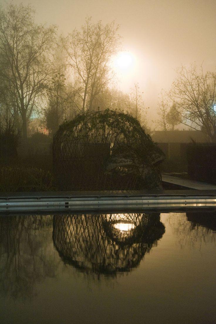 Ce jardin est l'écrin du projet de réaménagement du siège de Lille Métropole. Jardin hybride, entre nature et artifice, il intègre la complexité de son environnement et raconte une histoire : « 87 communes ou 87 Géants à la reconquête de ce site aujourd'h