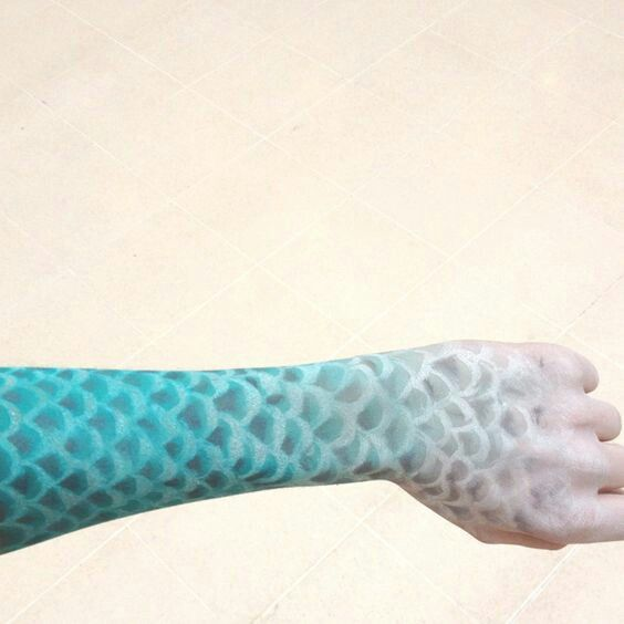 Best 25 fish scale tattoo ideas on pinterest mermaid for Do all fish have scales