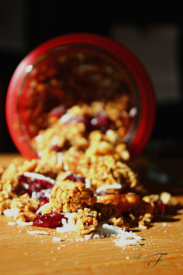 GRANOLA WITH HONEY, CINNAMON, CRANBERRIES AND COCONUT | Road To Finesse | Duha AlYousef