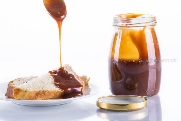 Сливочная соленая карамель 260 г сахара / 100 г масла сливочного соленого / 240 г сливок (33% и более) / 1 щепотка крупной морской соли