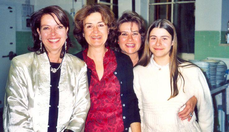 Livorno 2002 from left Laura, Anna, Cinzia and Malvina (Cinzia's daughter). Laura 50th birth day. Anna 51 y.o., Cinzia 49 y.o. and Malvina 13 y.o. #ganzinelling #cinziaganzinelli