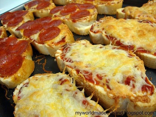 French Bread Pizza: Dinner, Bread Pizzas, French Bread Pizza, Idea, Food, Recipes, Breads, Kid