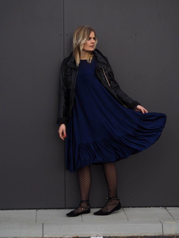 17 best ideas about blaues kleid on pinterest kleider in blau kleid schwarz blau and. Black Bedroom Furniture Sets. Home Design Ideas